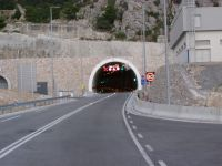 Nový tunel, spojuje Makarskou magistrálu z dálnici A1