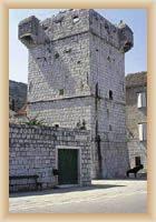 Ostov Vis - věž