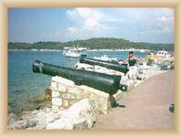 Crveny otok (foto pan Tillinger 2003)