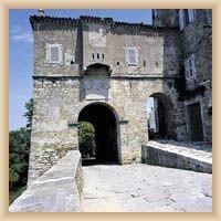 Motovun - renesanční bašta s městskou bránou