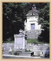 Senj - pramen Cesarsko vrilo a kaple sv. Michaela